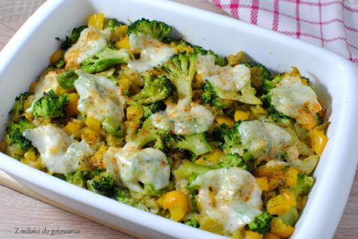 Zapiekanka z kaszy jaglanej z brokułami, porem i papryką Z miłości do gotowania