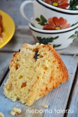 Drożdżowe ciasto z migdałową kruszonką