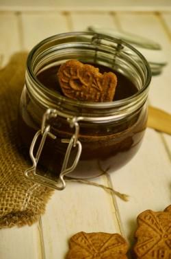 krem, masło czekoladowo-korzenne