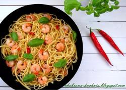 Spaghetti z krewetkami i bazylią