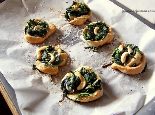 spinach pastries