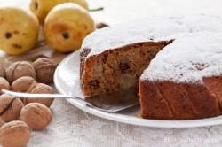 Wiejskie ciasto z gruszkami