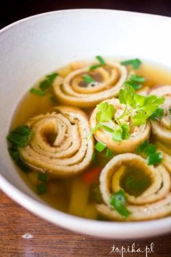 Zupa z pędami bambusa