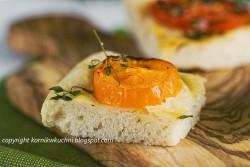 Focaccia z pomidorami | kornik w kuchni