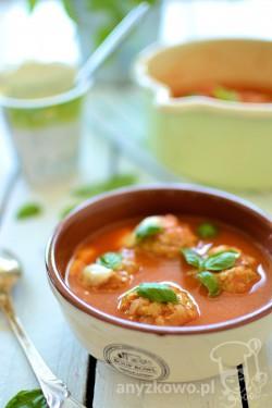 Kremowa zupa pomidorowa z pulpecikami