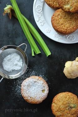 Razowe muffiny imbirowo-rabarbarowe
