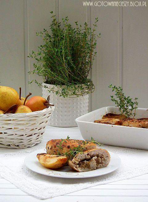Roladki drobiowe z gorgonzolą, gruszką i orzechami