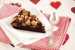 Bardzo czekoladowe ciasto z gruszkami i orzechami włoskimi