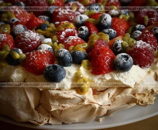 Bezowy tort hiszpański