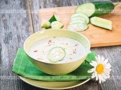 Chłodnik ogórkowo jogurtowy z miętową nutą