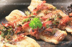 Filety rybne z chrupiącym boczkiem
