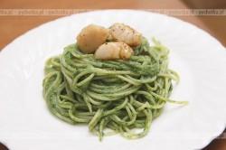 Spaghetti z sosem bazylikowym