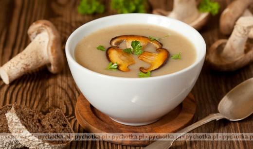 Zupa krem z cukinii z kurkami lub borowikami