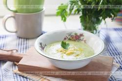 Zupa krem z selerów z natką pietruszki