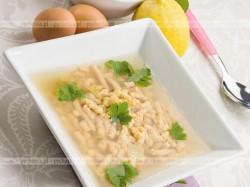 Zupa z kurczaka z kładzionymi kluskami