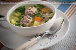 Zupa z pulpetami wieprzowymi