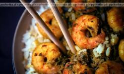 Krewetki z ryżem na gorąco