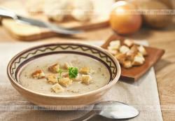 Ostra zupa czosnkowa