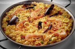 Owoce morza z ryżem i warzywami
