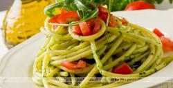Sos bazylikowy do spaghetti
