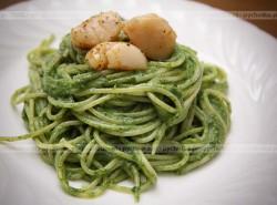 Spaghetti z bazylią i natką