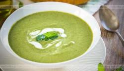 Zupa krem ze szparagów z groszkiem