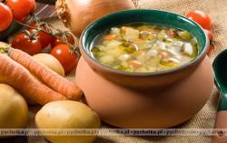 Zupa z jarzyn z makaronem