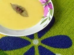 Świat Smaku: Zupa czosnkowo – ziemniaczana