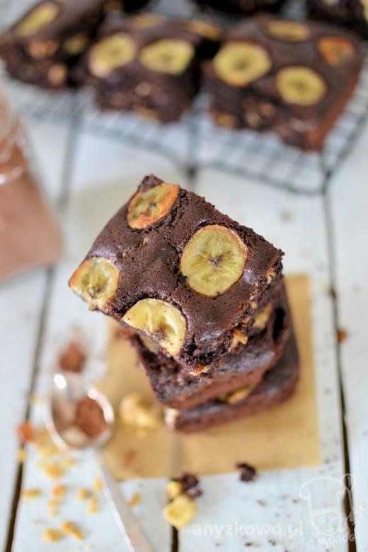 Ciasto czekoladowe z bananami i muesli