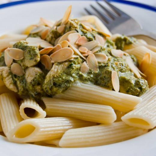 Makaron ze szpinakiem i kurczakiem przepis – zjem to blog kulinarny