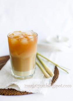 Mrożona herbata z trawą cytrynową