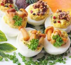 Jajka faszerowane z grzybami i rybą