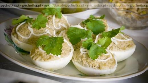Jajka nadziewane śledziem z cebulką