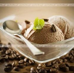 Kawa z lodami czekoladowymi i bitą śmietaną