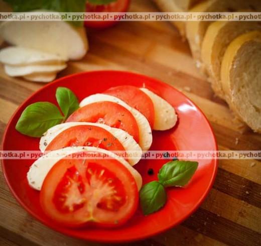 Pomidory z mozzarellą w oliwie