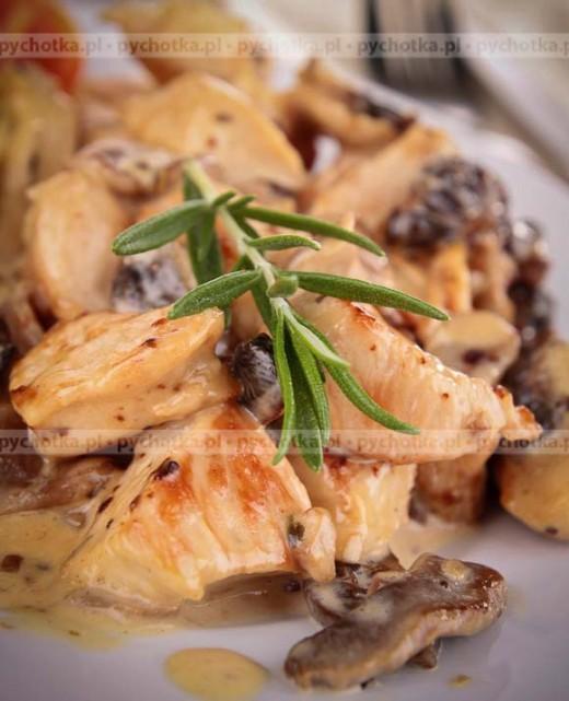 Kurczak w sosie grzybowym