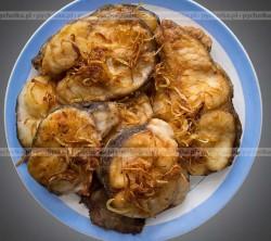Pieczone bakłażany z czosnkowym sosem