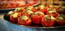Pomidory nadziewane ziołowym ryżem