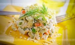 Sałatka z selera, marchewki i pietruszki