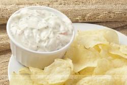 Domowe chipsy ziemniaczane (cebulowe)