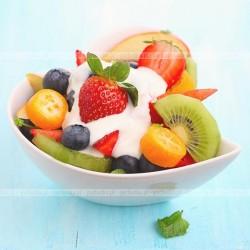Surówka z owoców z serkiem homogenizowanym