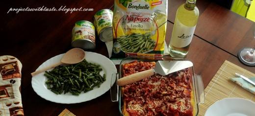 Makaron z kurczakiem, warzywami w sosie pomidorowym oraz z fasolką / Pasta with chicken, vegetables in tomato sauce and string-bean