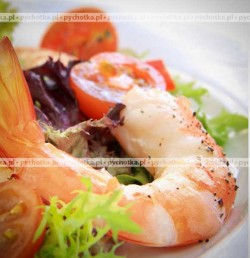 Sałatka z ziemniaków i krewetek