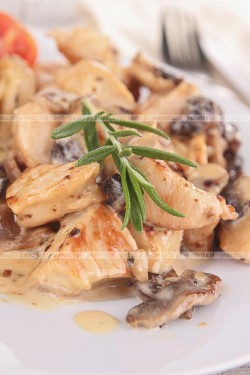 Kurczak z grzybami z tymiankiem