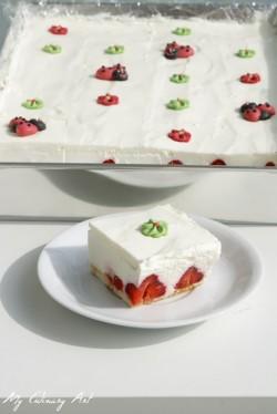 My Culinary Art: Łatwy, szybki i bez pieczenia sernik z truskawkami
