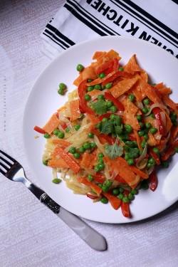 Zielone curry z makaronem ryżowym