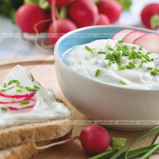 Sos jogurtowy ze szczypiorkiem