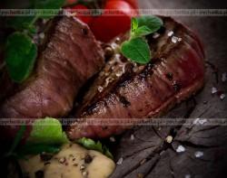 Stek z antylopy w sosie pieprzowo śmietanowym