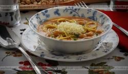 Zupa fasolowa z makaronem