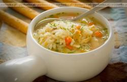 Zupa rosół z kurczaka z ryżem